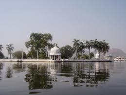 Fatehsagar-Lake-and-Nehru-Park