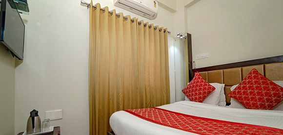 standard-rooms-hotel-padmini-palace